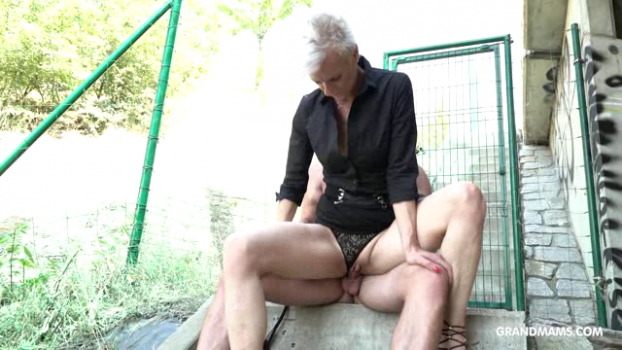grandmams-18-12-18-old-mistress-having-submissive-fun.png
