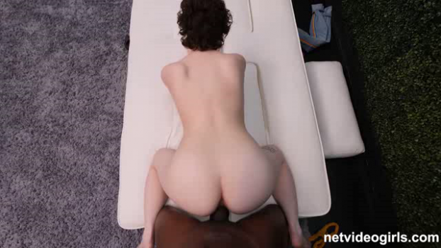 netvideogirls-18-12-25-anna.png