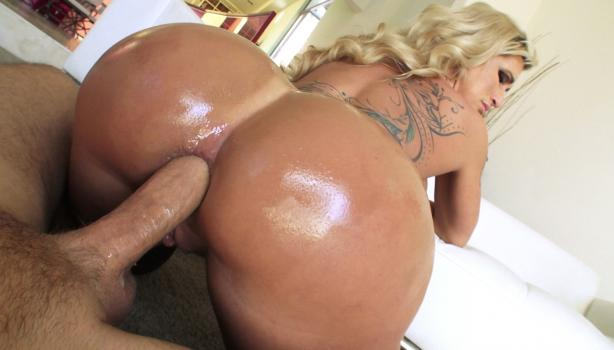 bamvisions-18-12-30-ryan-conner-thick-and-tasty-comeback.jpg