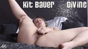 girlsoutwest-19-01-08-kit-bauer-divine.jpg