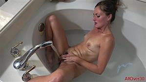 allover30-19-01-10-veronica-johnson-mature-pleasure.jpg