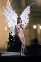 th_13034_karlie_kloss352_122_570lo.jpg
