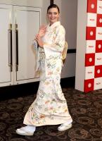 miranda-kerr-promoting-marukome-co-ltd-miso-products-in-tokyo-11019-9.jpg