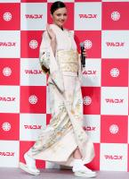 miranda-kerr-promoting-marukome-co-ltd-miso-products-in-tokyo-11019-11.jpg