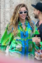 miley-cyrus-leaving-the-versace-mansion-in-miami-1919-6.jpg