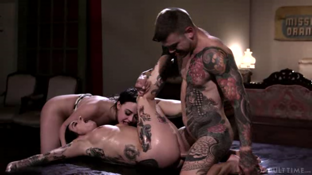 adulttime-19-01-17-whitney-wright-and-joanna-angel-lady-gonzo.png